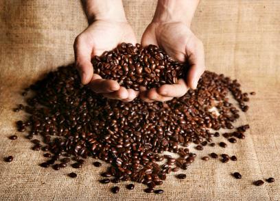 Kahls kaffe använder till största del fina bönblandningar i sina produkter
